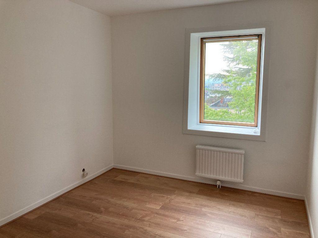 Appartement à louer 3 64.62m2 à Limoges vignette-8