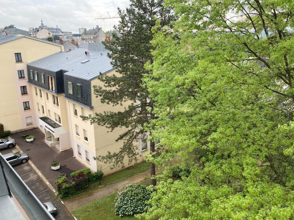 Appartement à louer 3 64.62m2 à Limoges vignette-10