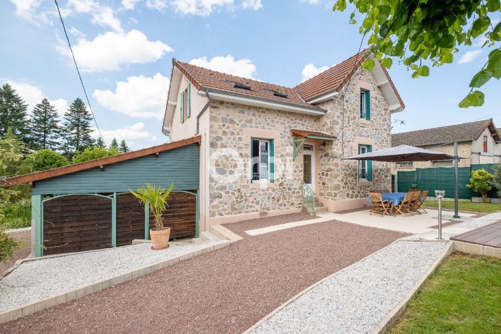 Maison à louer 6 105m2 à Eyjeaux vignette-3