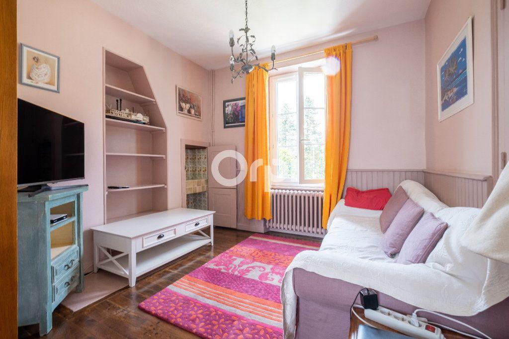 Maison à louer 6 105m2 à Eyjeaux vignette-6