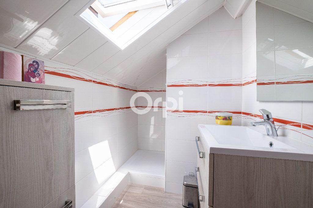 Maison à louer 6 105m2 à Eyjeaux vignette-11