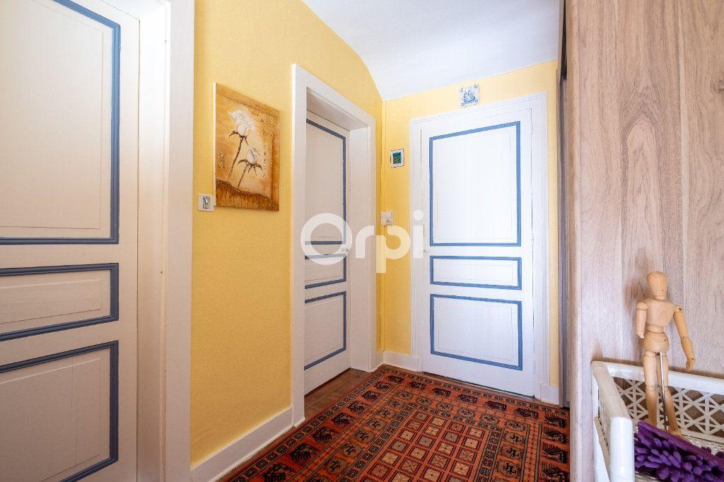 Maison à louer 6 105m2 à Eyjeaux vignette-12