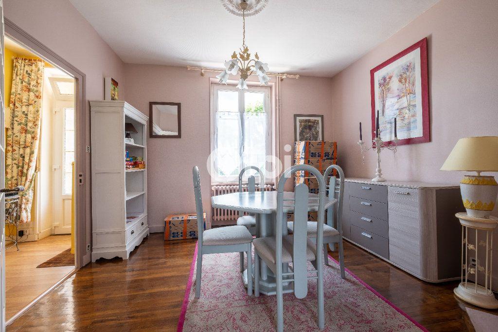 Maison à louer 6 105m2 à Eyjeaux vignette-13