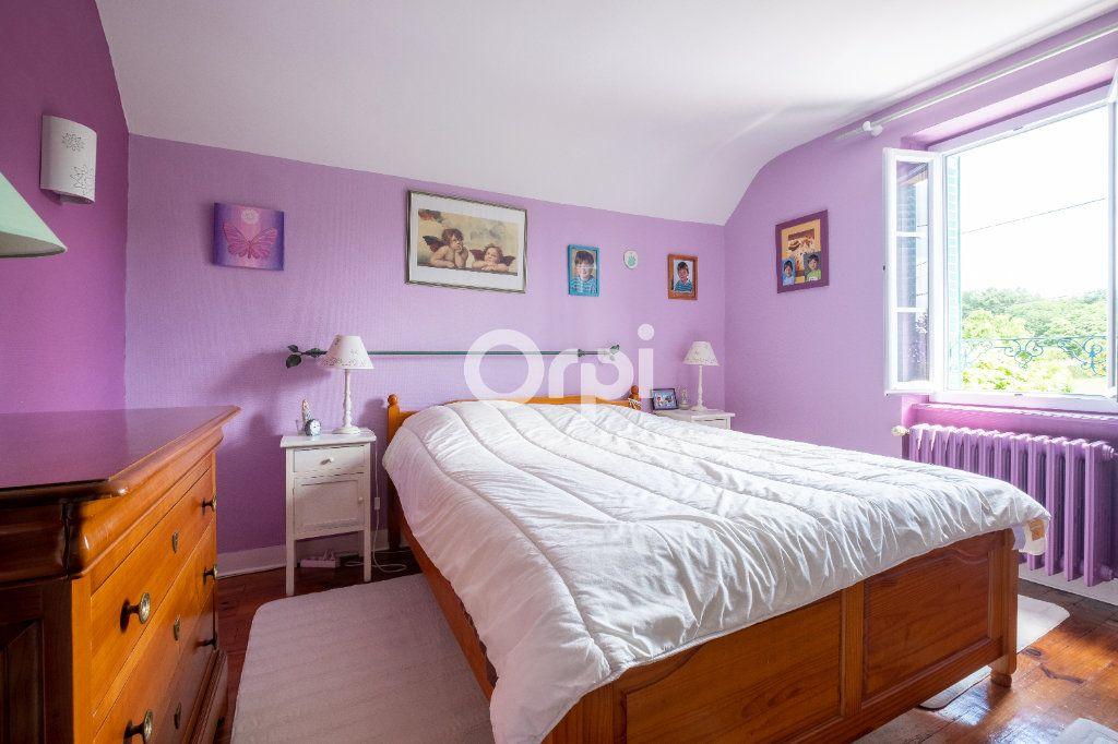 Maison à louer 6 105m2 à Eyjeaux vignette-14