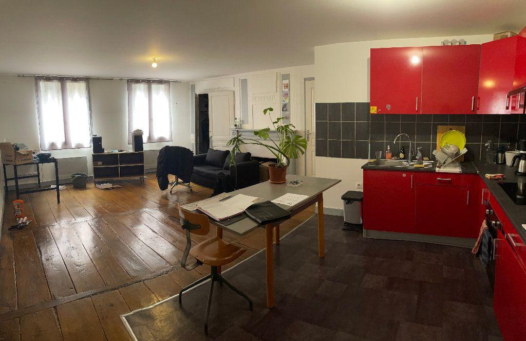 Appartement à louer 2 52m2 à Limoges vignette-1