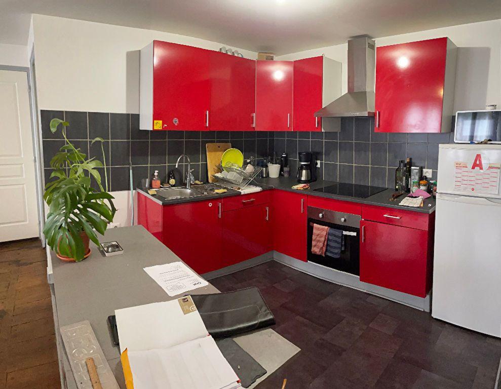 Appartement à louer 2 52m2 à Limoges vignette-3