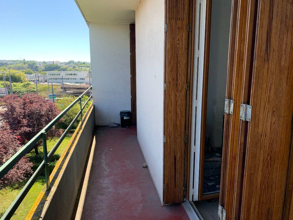Appartement à louer 3 56.14m2 à Limoges vignette-4