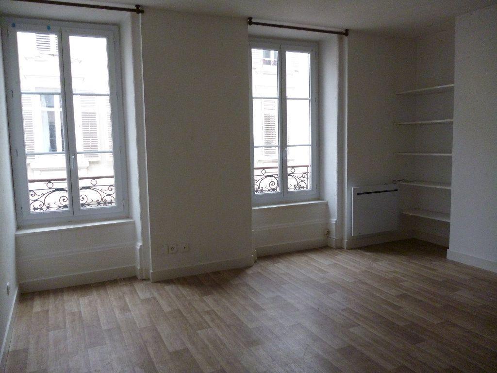 Appartement à louer 3 56m2 à Limoges vignette-4