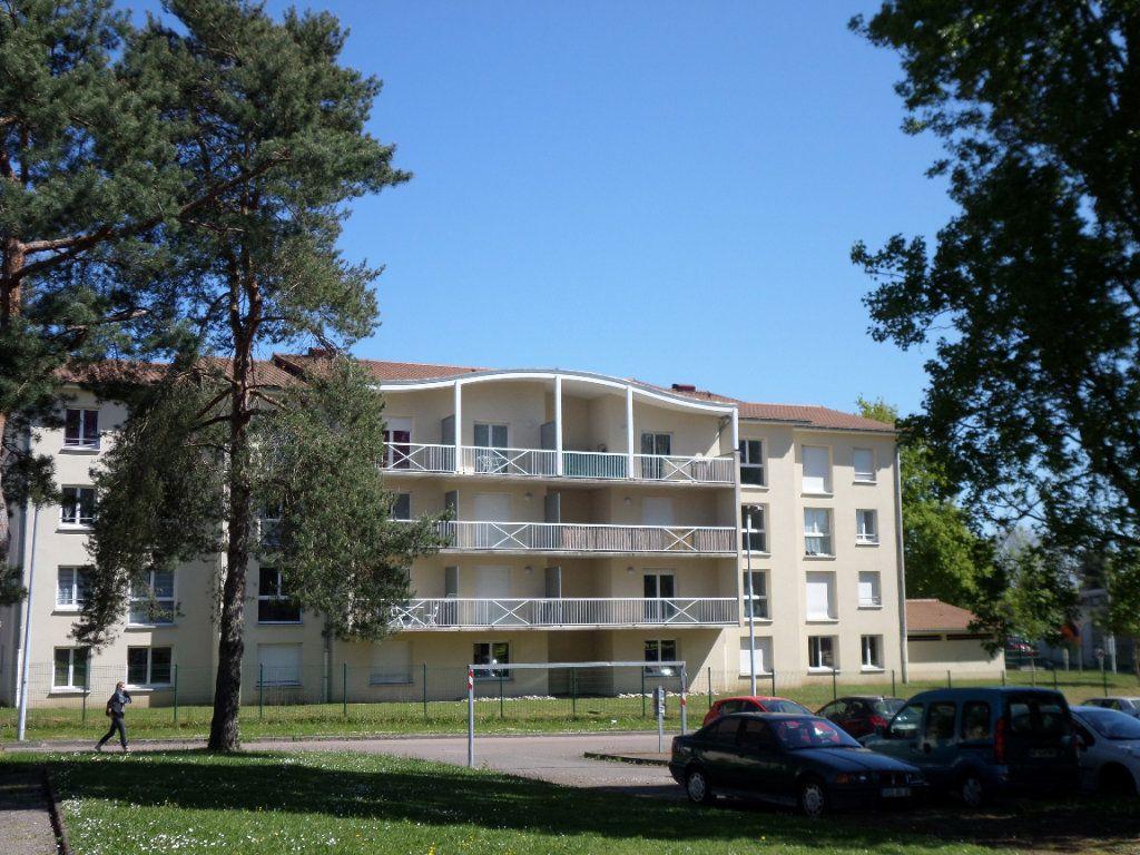 Appartement à louer 1 25.38m2 à Limoges vignette-1