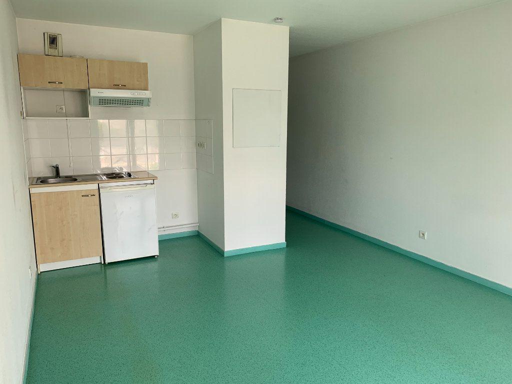 Appartement à louer 1 25.38m2 à Limoges vignette-2