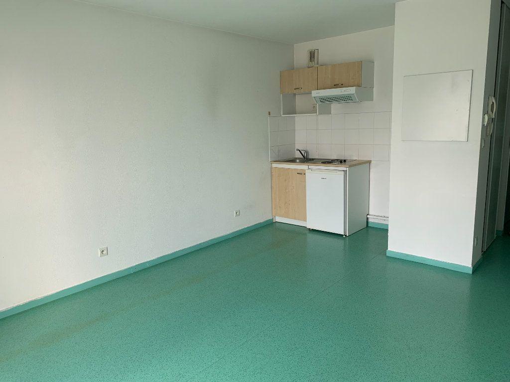 Appartement à louer 1 25.38m2 à Limoges vignette-3