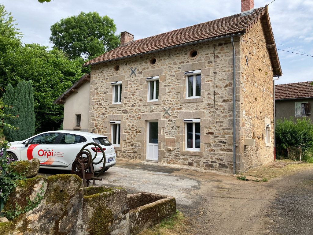 Maison à louer 5 80m2 à Saint-Laurent-les-Églises vignette-1