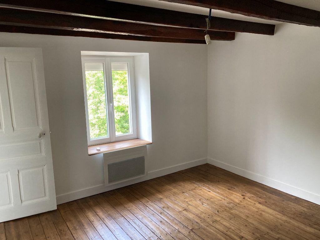 Maison à louer 5 80m2 à Saint-Laurent-les-Églises vignette-9