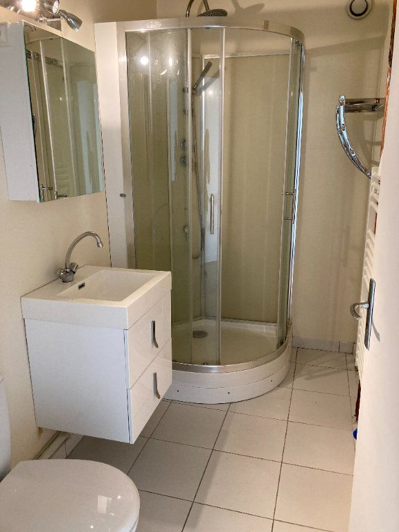 Appartement à louer 1 30.19m2 à Limoges vignette-3