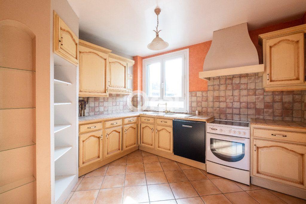 Appartement à louer 3 70m2 à Limoges vignette-1