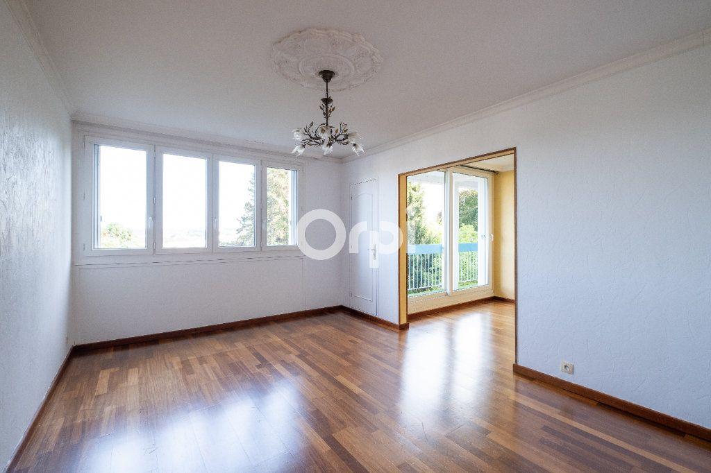 Appartement à louer 3 70m2 à Limoges vignette-2