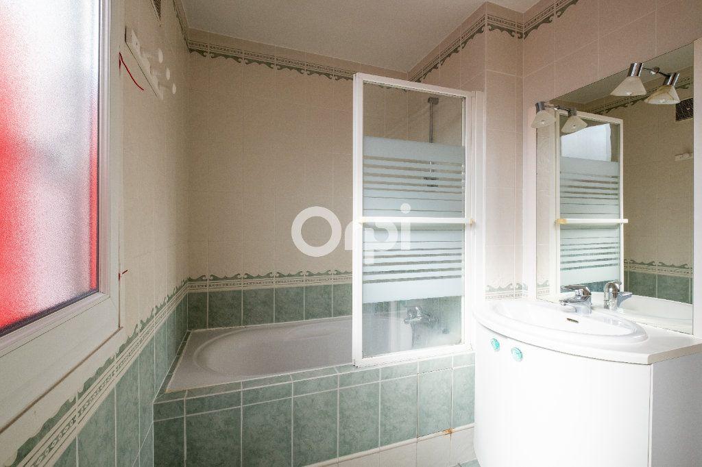 Appartement à louer 3 70m2 à Limoges vignette-4