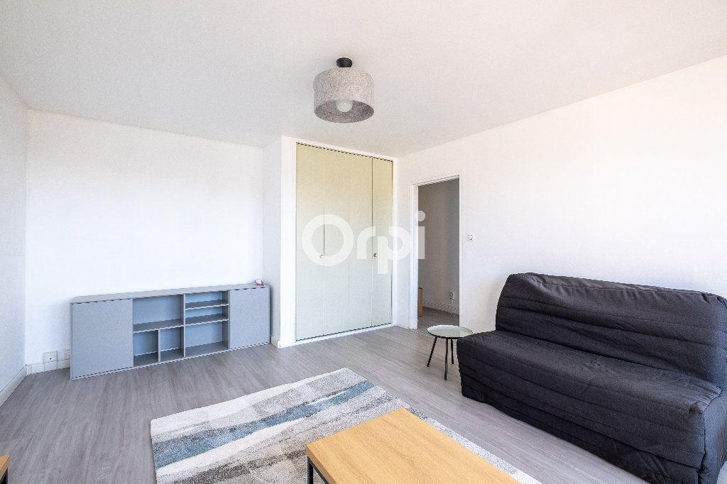 Appartement à louer 1 38m2 à Limoges vignette-1