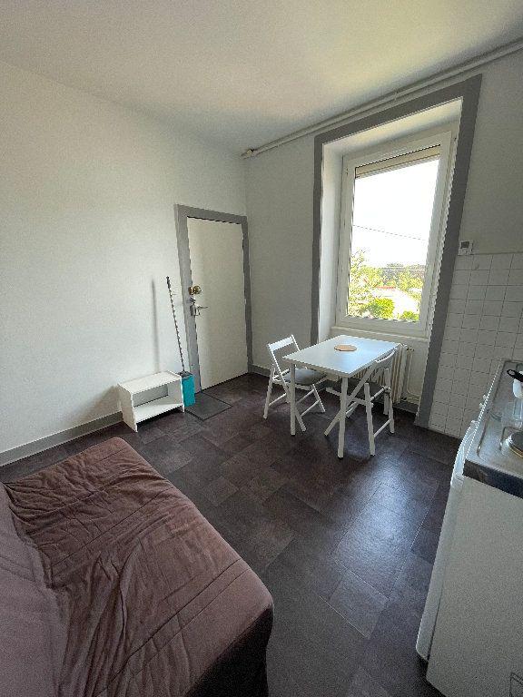 Appartement à louer 2 26m2 à Limoges vignette-1