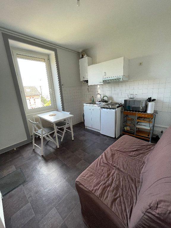 Appartement à louer 2 26m2 à Limoges vignette-2