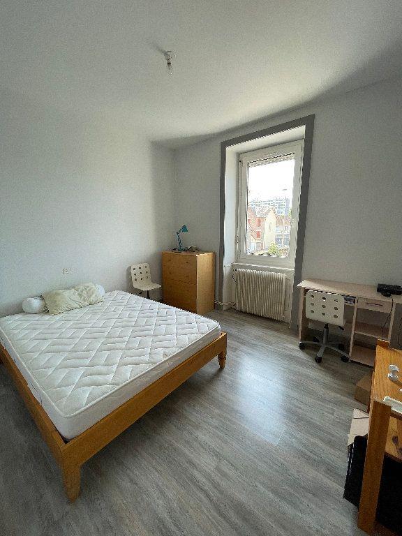 Appartement à louer 2 26m2 à Limoges vignette-3