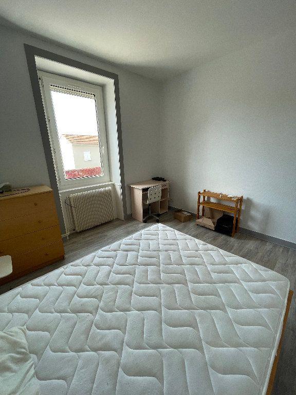 Appartement à louer 2 26m2 à Limoges vignette-4