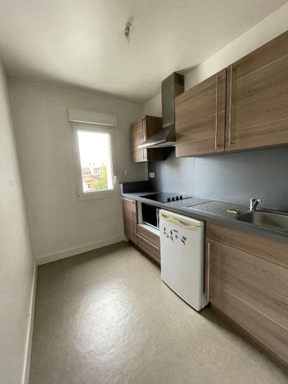 Appartement à louer 2 45.02m2 à Limoges vignette-2