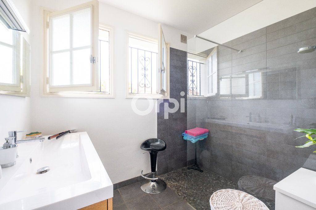 Maison à vendre 5 115m2 à Feytiat vignette-5