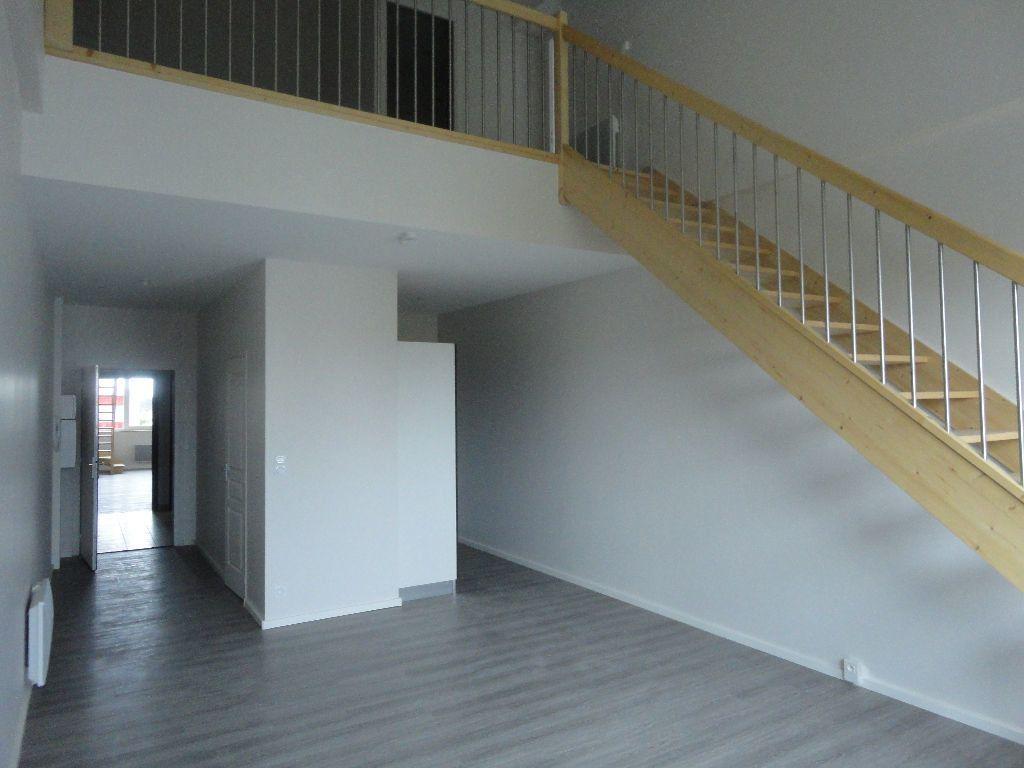 Appartement à louer 2 63.63m2 à Soustons vignette-1