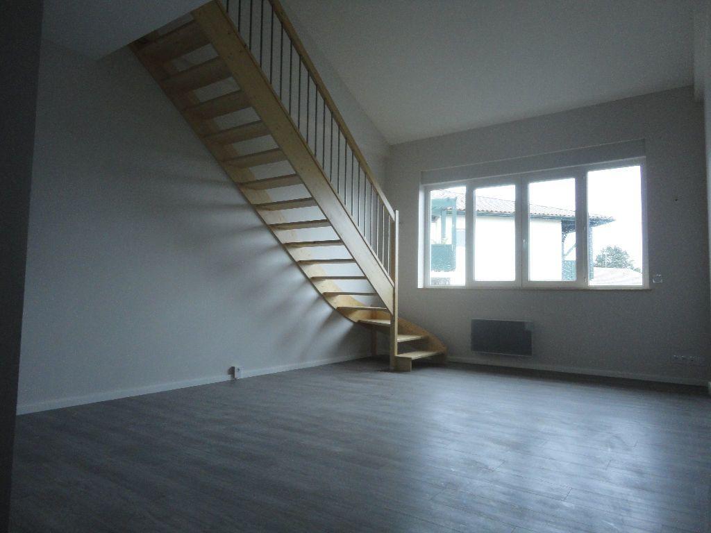 Appartement à louer 2 63.63m2 à Soustons vignette-2