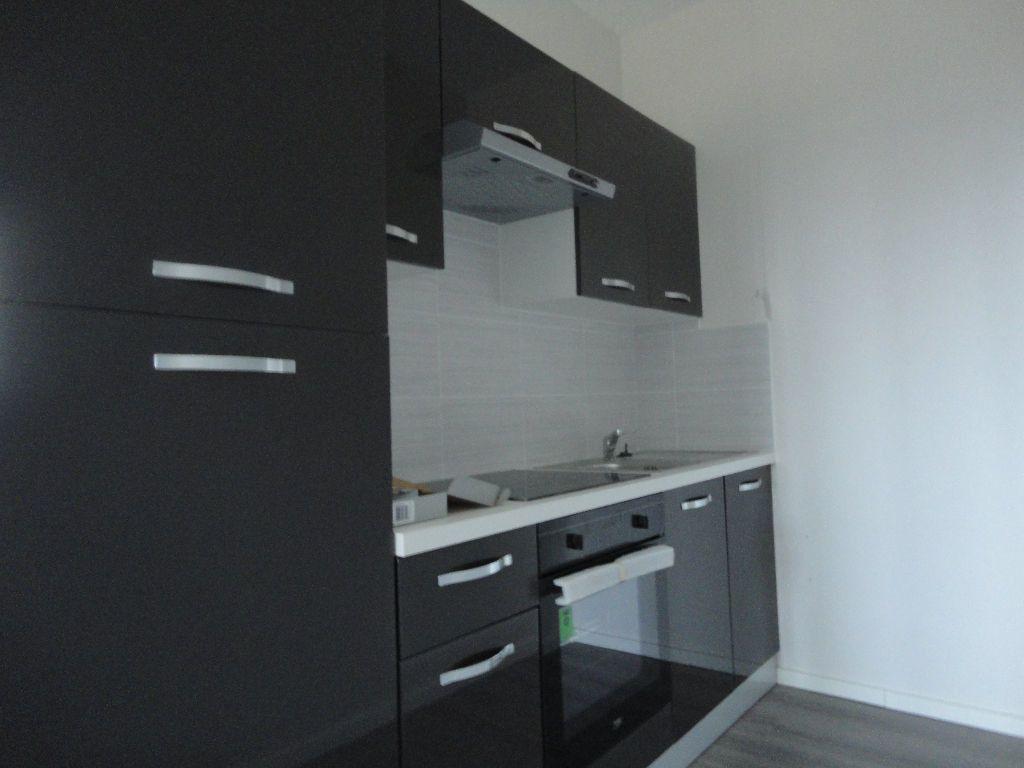 Appartement à louer 2 63.63m2 à Soustons vignette-3