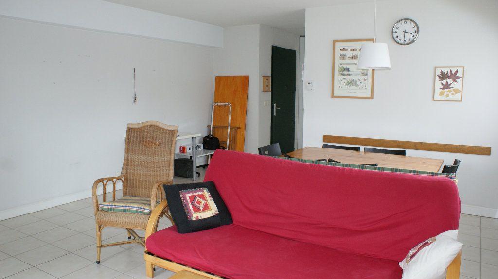 Appartement à louer 4 81.8m2 à Soustons vignette-2