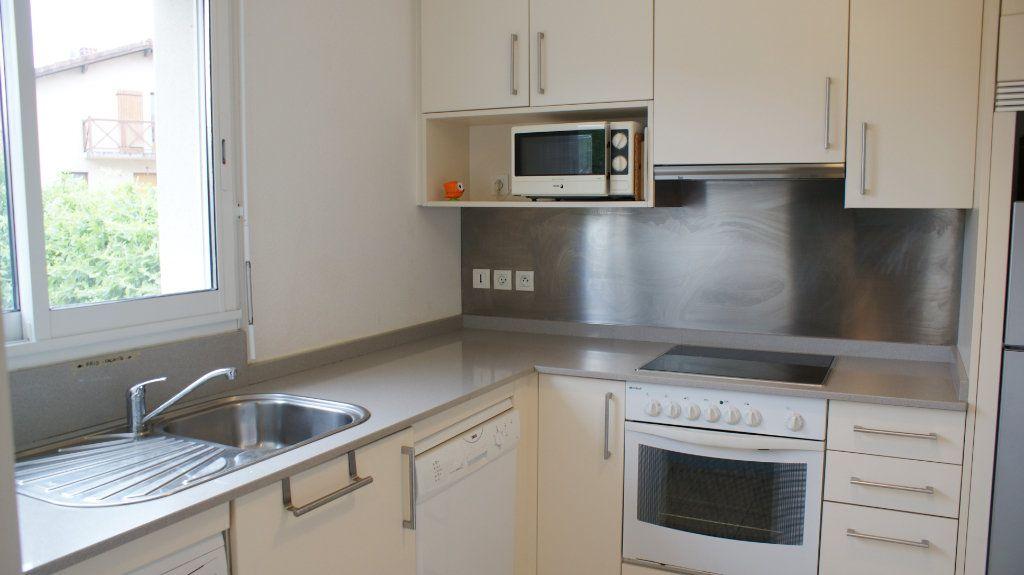 Appartement à louer 4 81.8m2 à Soustons vignette-3