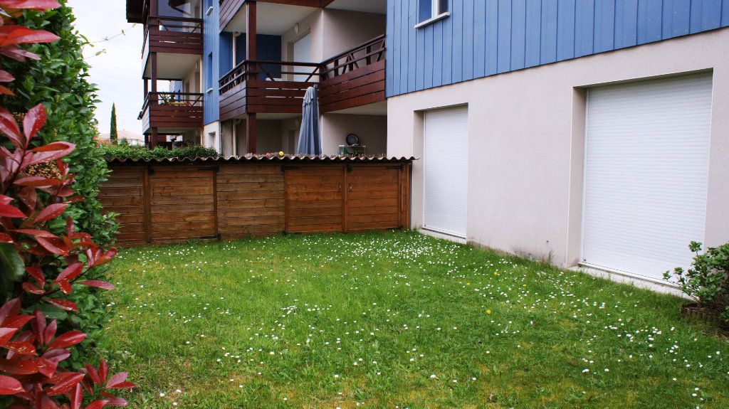Appartement à louer 4 81.8m2 à Soustons vignette-8