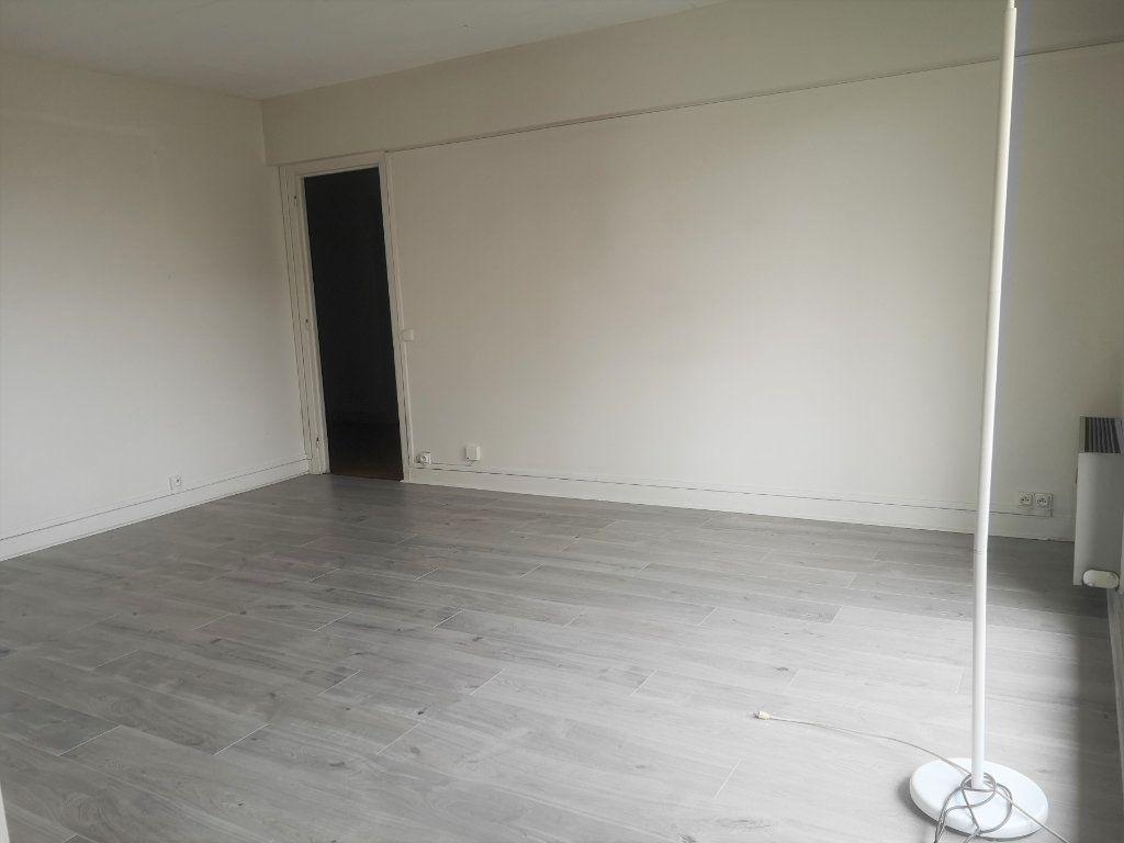 Appartement à louer 3 60.17m2 à Antony vignette-2