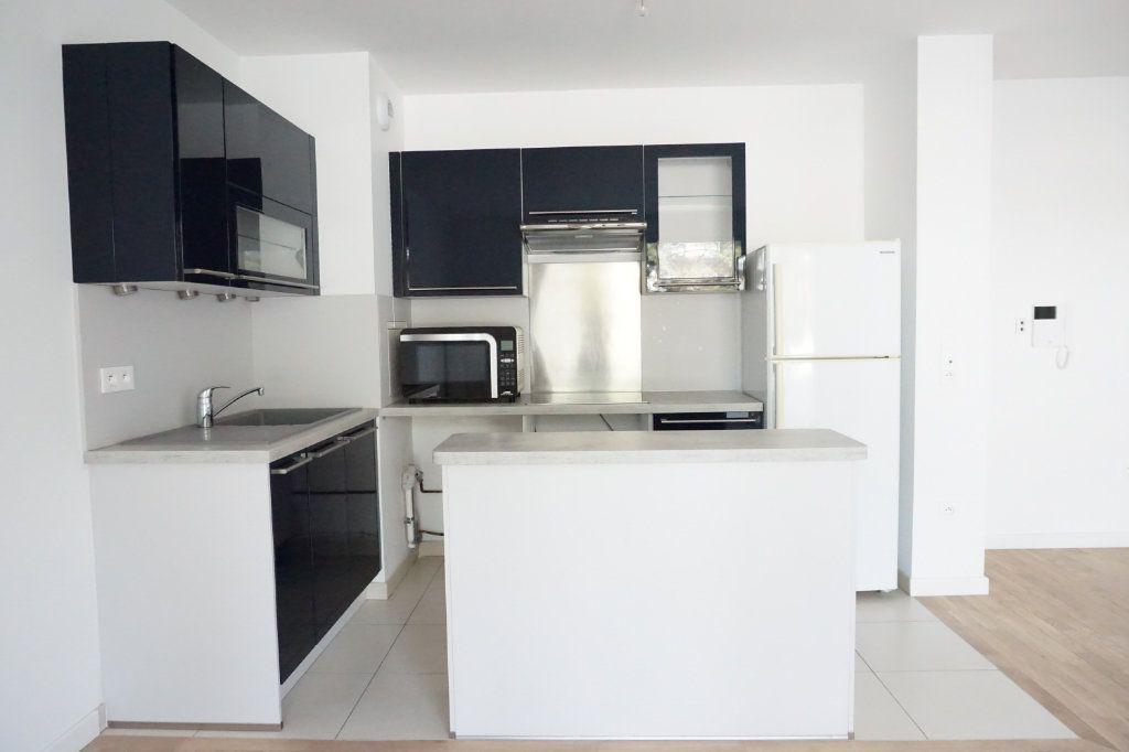 Appartement à louer 3 55.05m2 à Antony vignette-3