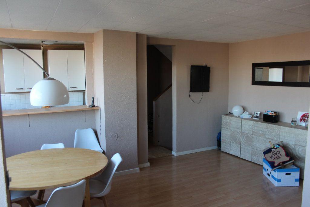 Appartement à vendre 4 68m2 à Fresnes vignette-2