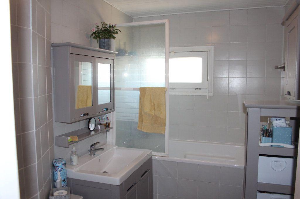 Appartement à vendre 4 68m2 à Fresnes vignette-4