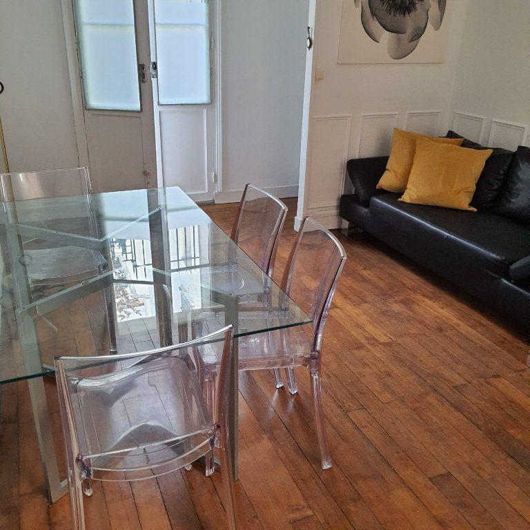 Appartement à louer 2 40m2 à Paris 16 vignette-2