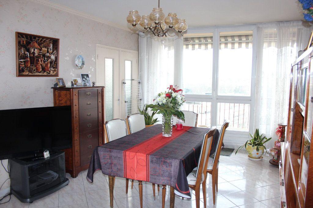 Appartement à vendre 4 82.7m2 à Fresnes vignette-1