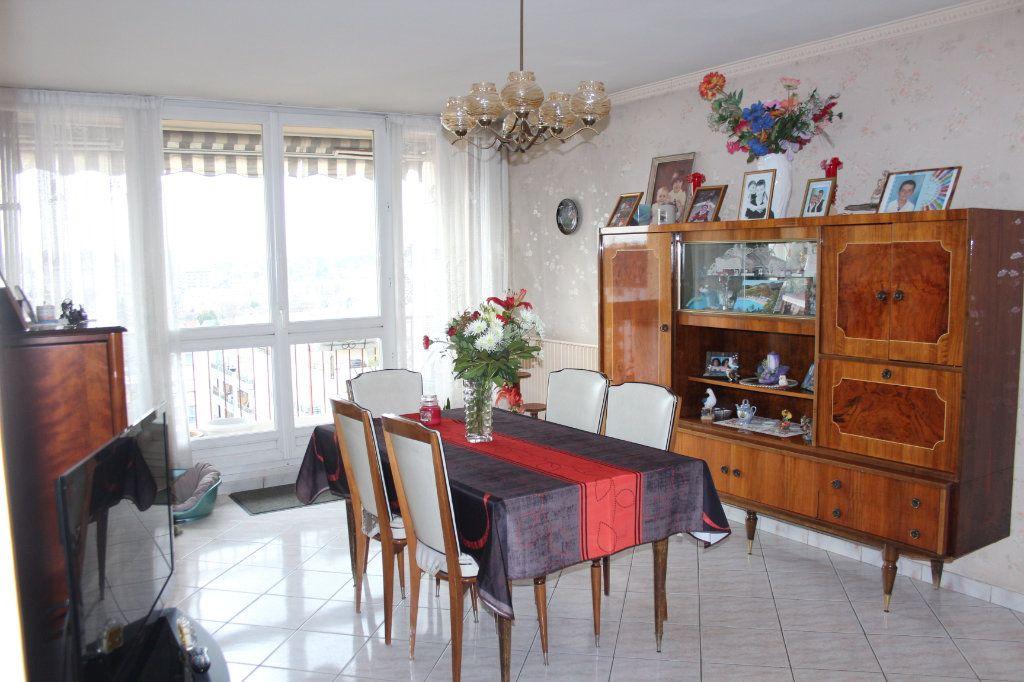 Appartement à vendre 4 82.7m2 à Fresnes vignette-2