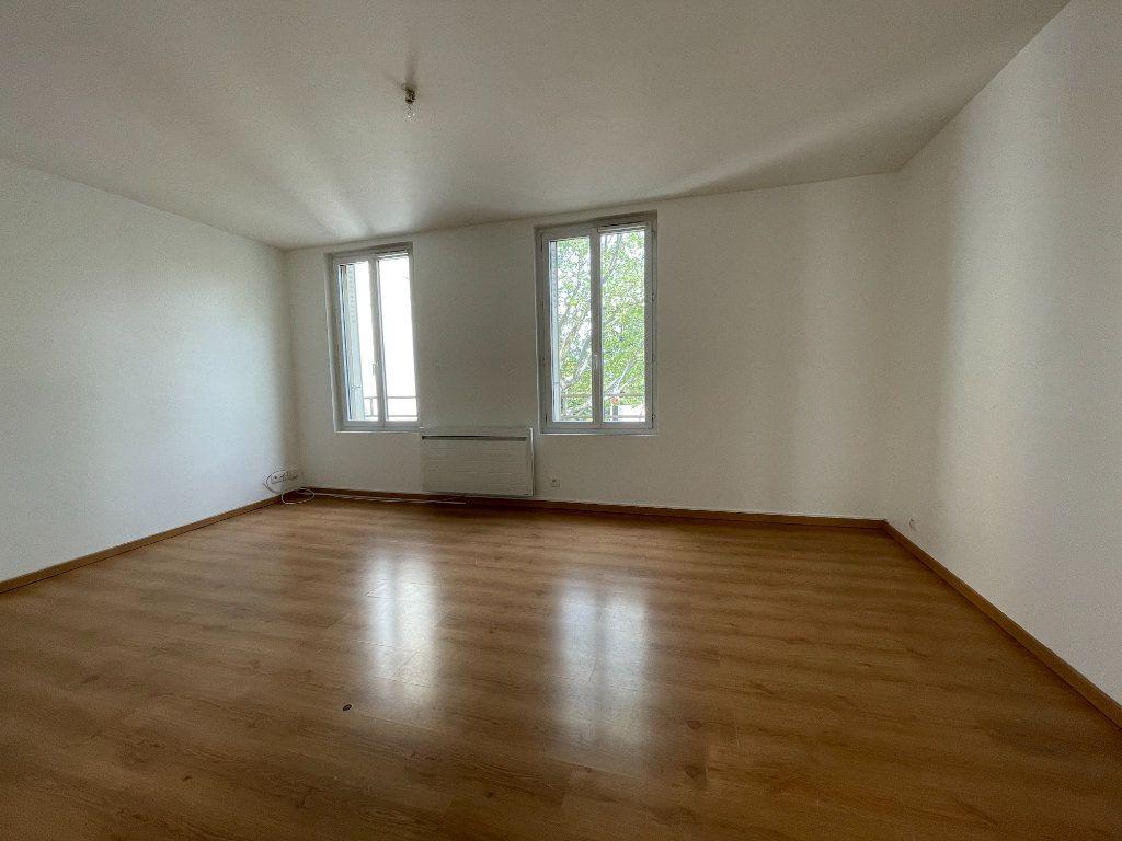 Appartement à louer 3 56.74m2 à Antony vignette-1