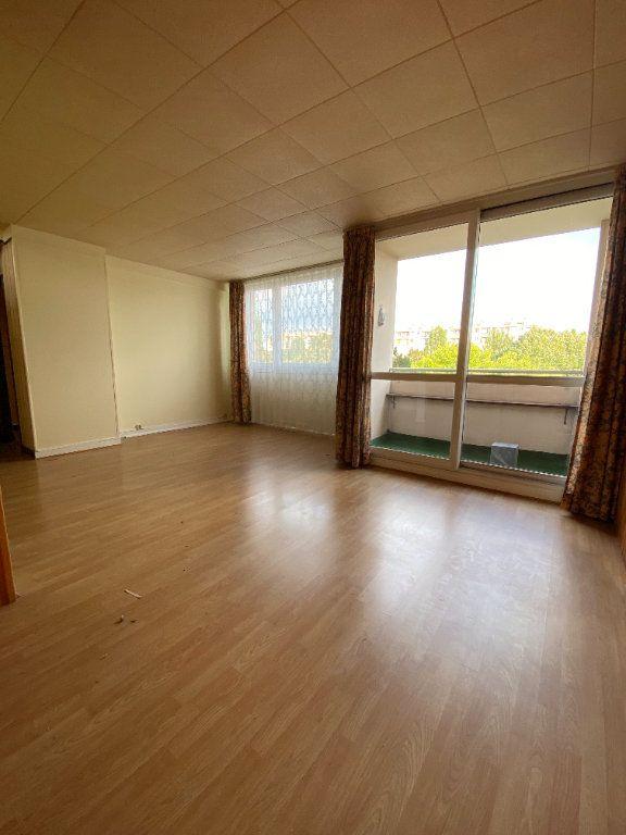 Appartement à louer 4 68.3m2 à Fresnes vignette-1