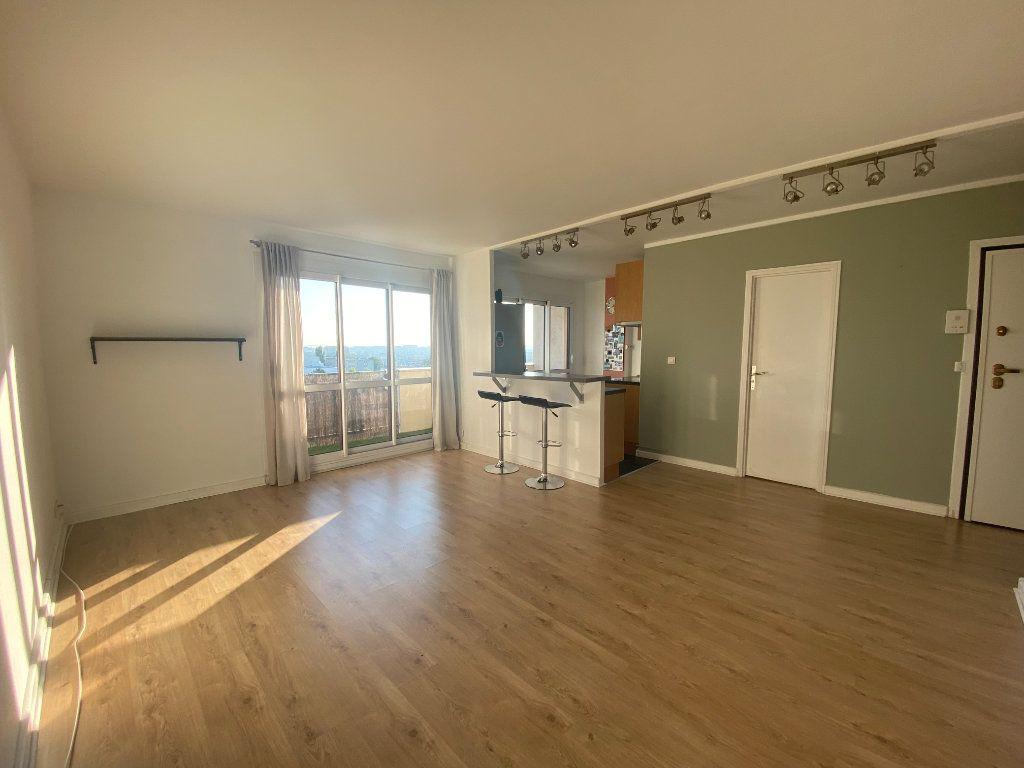 Appartement à louer 3 59.27m2 à Fresnes vignette-1