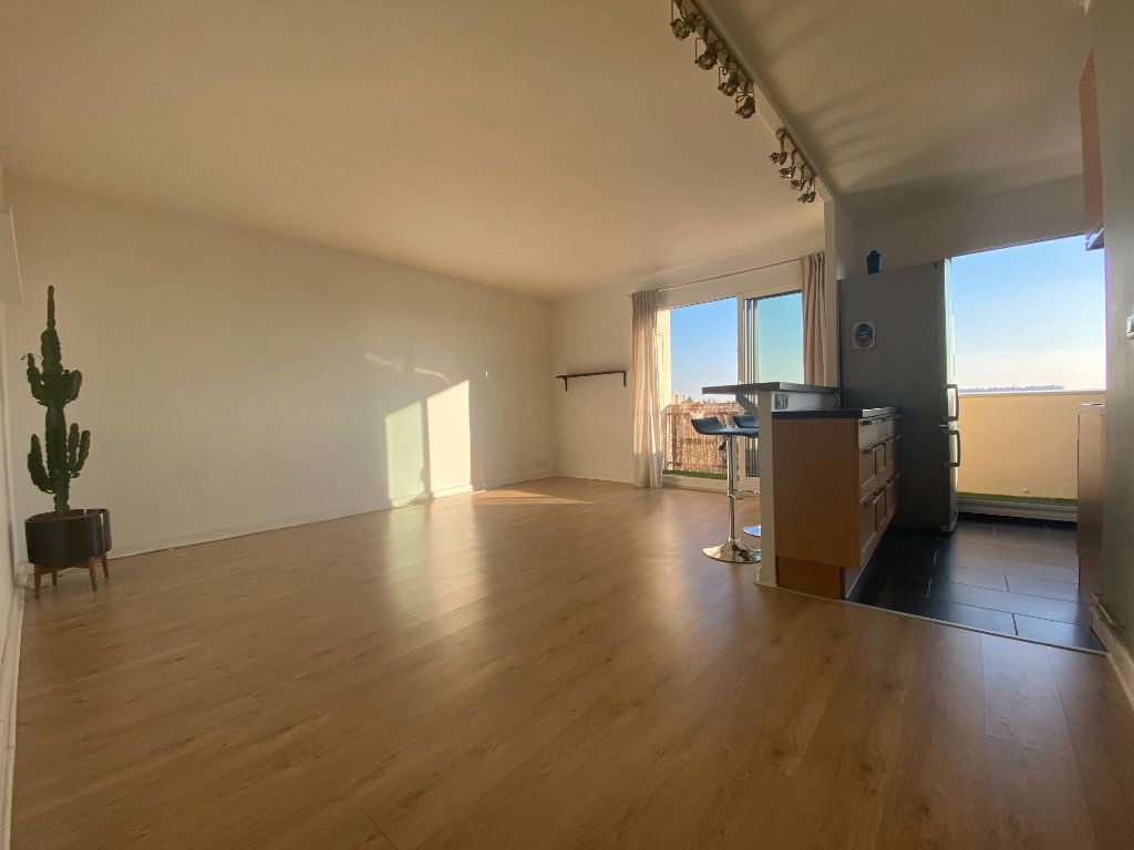 Appartement à louer 3 59.27m2 à Fresnes vignette-2