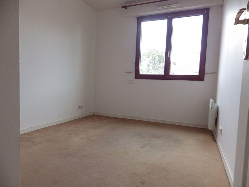 Appartement à louer 2 46.85m2 à Paris 20 vignette-4