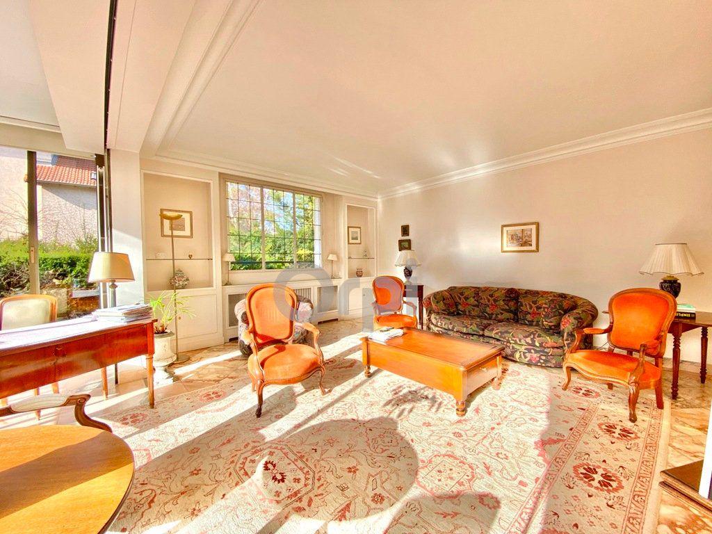 Maison à vendre 6 180m2 à Livry-Gargan vignette-3