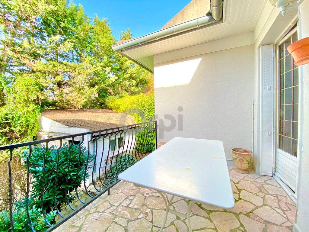 Maison à vendre 6 180m2 à Livry-Gargan vignette-5