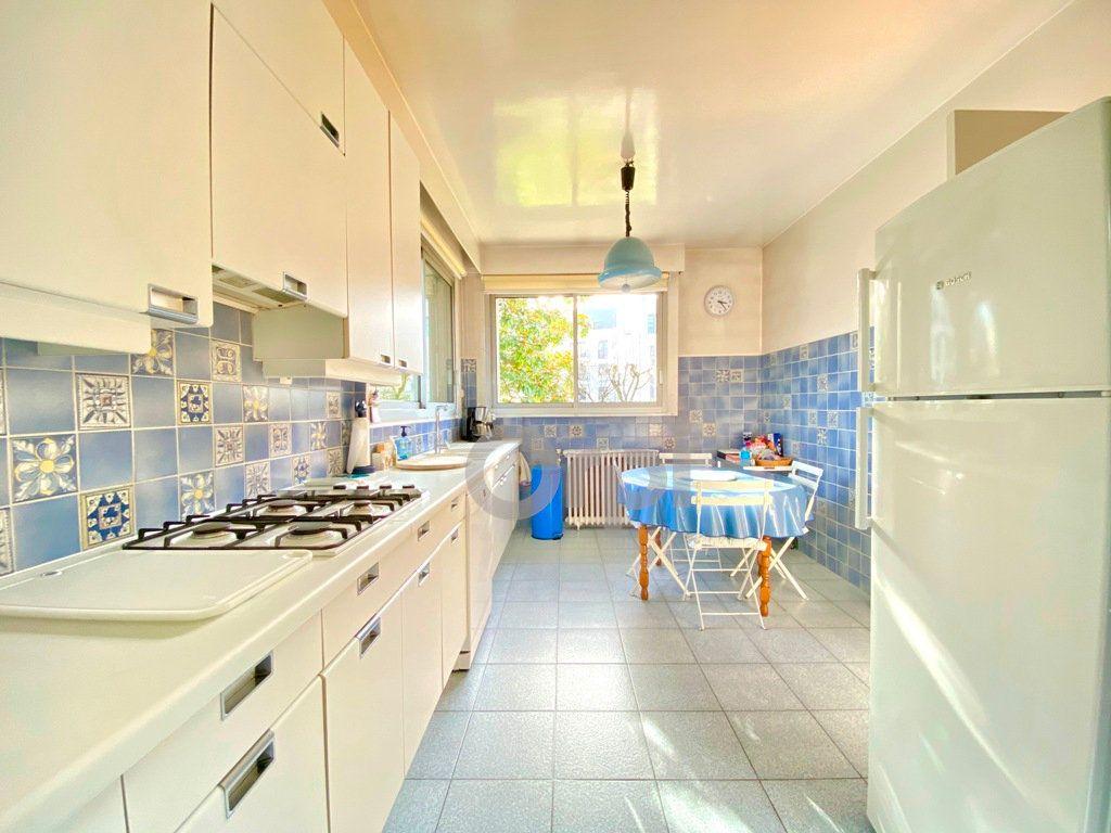 Maison à vendre 6 180m2 à Livry-Gargan vignette-7