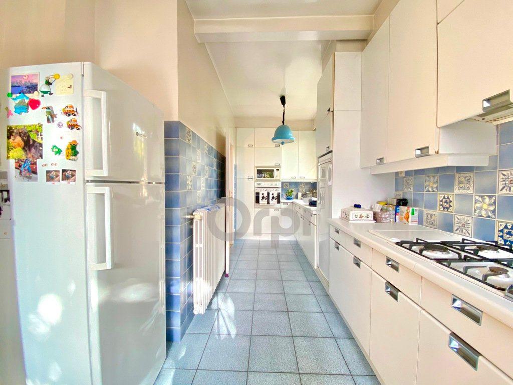 Maison à vendre 6 180m2 à Livry-Gargan vignette-8